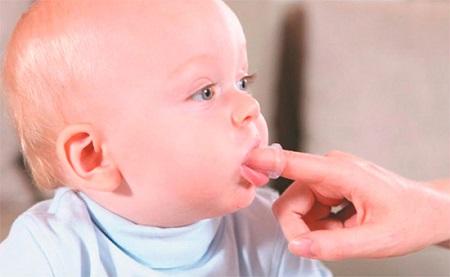 массирование десен при прорезывании зубов