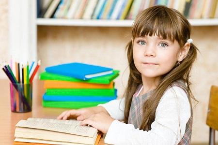 выбираем письменный стол школьнику