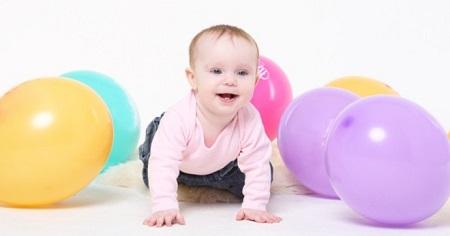 как играть с ребенком 8 месяцев