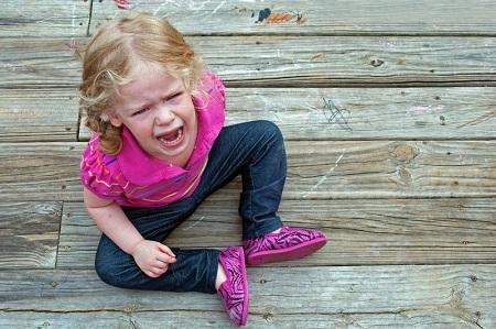 как научить ребенка проигрывать без слез