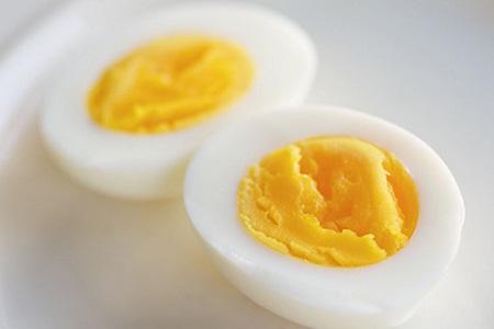 Прикорм яйцо